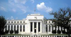 Аналитики изменили прогноз о повышении ФРС базовой ставки