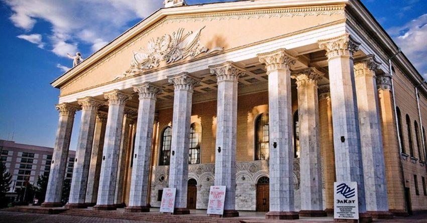 На ремонт театров выделили более 200 млн сомов
