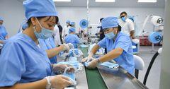 В СЭЗ «Бишкек» открылся цех по производству медицинских масок