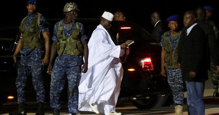 Экс-президент Гамбии покинул страну вместе с бюджетом
