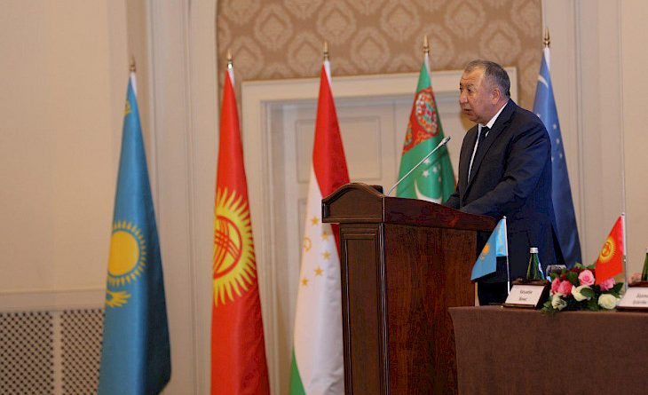 Кыргызстан предлагает инвестировать в экономические коридоры