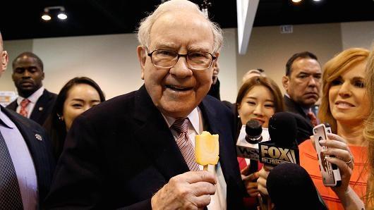 Уоррен Баффет стал третьим крупнейшим инвестором Apple