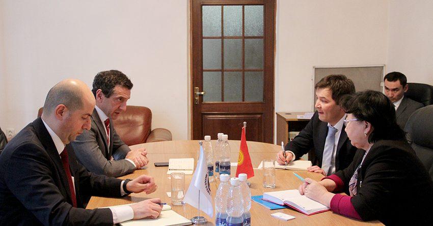 Министр финансов КР встретилась с представителем МВФ
