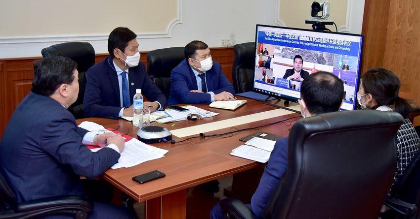 КР предлагает реструктуризировать долг перед КНР в обмен на помощь Афганистану