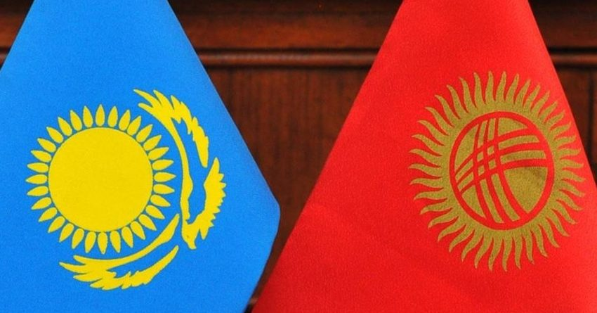 Казахстан нарушил правила ЕАЭС, запретив экспорт продуктов из КР