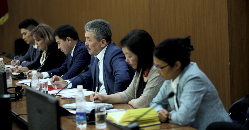 В Кыргызстане разработают стратегию промышленного развития