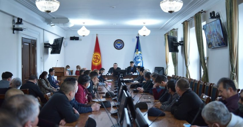 Маршруточники Бишкека требуют повысить цены за проезд до 20 сомов
