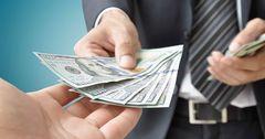 Объем кредитования промышленности сократился в марте на 43%