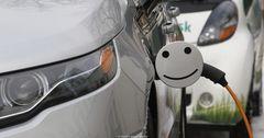Правительство КР предлагает отменить ввозную таможенную пошлину на электромобили