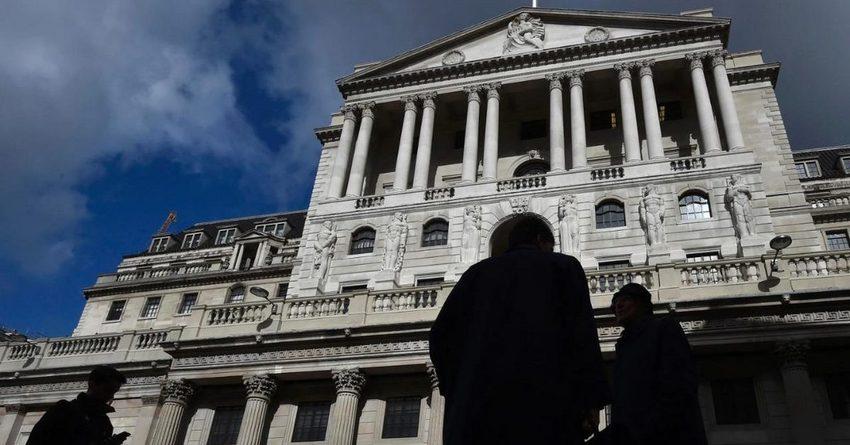 Банк Англии сделал самый крупный за 20 лет пересмотр прогноза роста ВВП