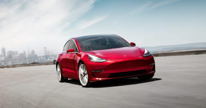 Tesla планирует снизить цены на автомобили