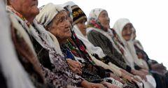 Кыргызстан выплачивает пенсии и пособия за счет внешних займов
