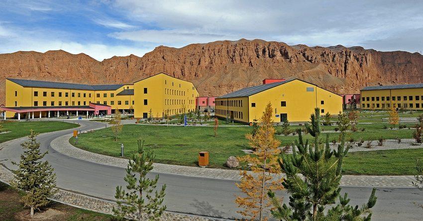 Кампус Университета Центральной Азии за $90 млн открыт в Нарыне
