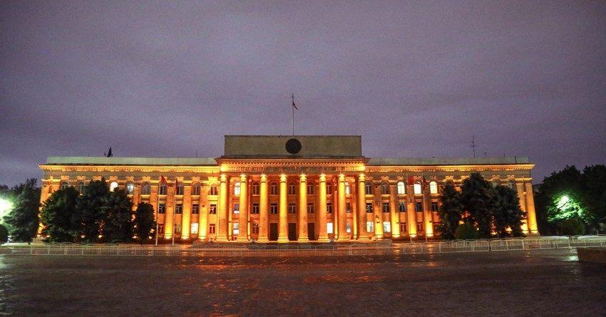 Правительство Кыргызстана ушло в отставку из-за развала парламентской коалиции