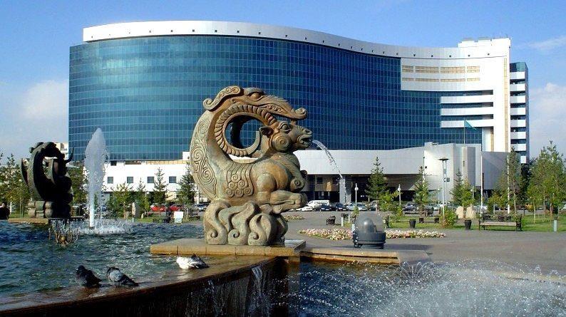 Казахский Минфин продает несколько вузов