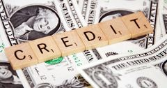 Женщины чаще мужчин берут потребительские кредиты на бизнес