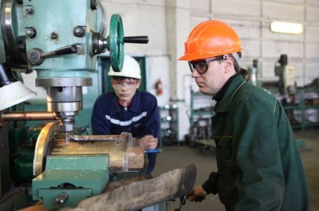 Каждый пятый трудоустроенный казахстанец работает в промышленной сфере