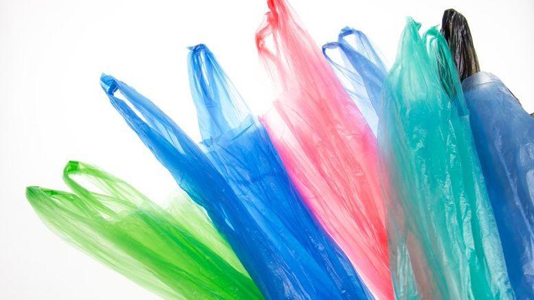 Производители и экспортеры пластиковых пакетов будут платить утилизационный сбор