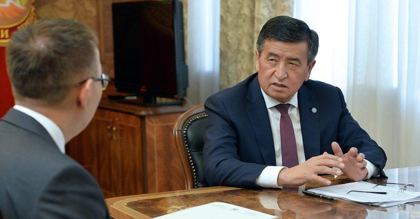 Глава НБ КР встретился с Сооронбаем Жээнбековым