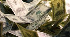 В августе средняя ставка по принятым депозитам в инвалюте упала в 1.7 раза