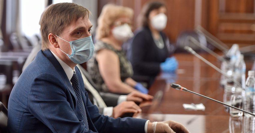 Делегация Роспотребнадзора проконсультировала более 100 врачей