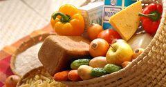 В торговых объектах Бишкека выявили факты завышения цен на продукты