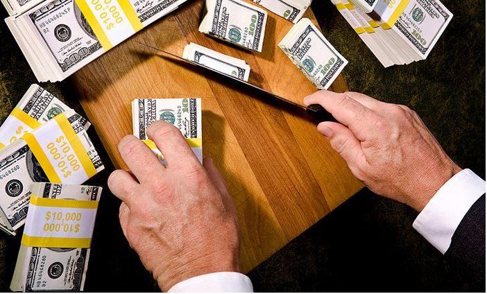 В КР на зарплаты госслужащих за 9 месяцев потратили $313.7 млн