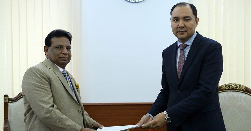 Кыргызстан намерен развивать торговые отношения с Шри-Ланкой