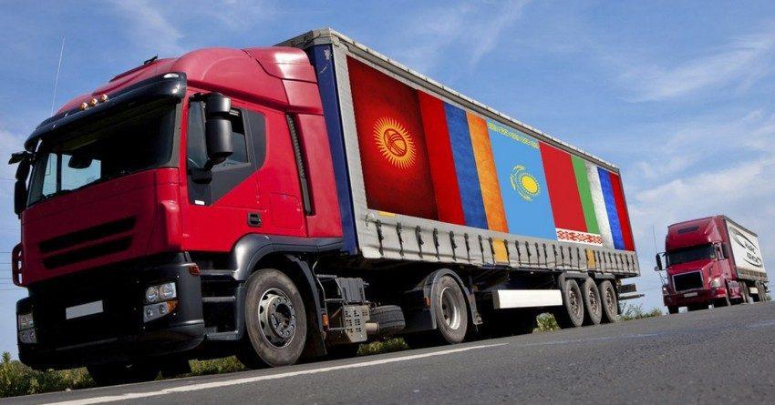 Кыргызстан 90% грузов перевозит автотранспортом