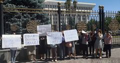 В Кыргызстане врачи больше не хотят работать за $114 в месяц