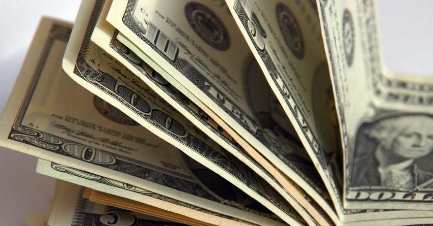 Нацбанк провел третью в июле интервенцию – теперь скупает доллары