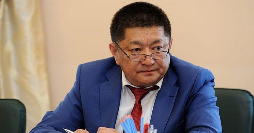 Бывший министр здравоохранения нанес ущерб бюджету страны на 65 млн сомов