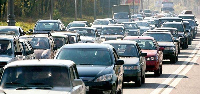 В Кыргызстане снизили ставки таможенных пошлин на автомобили