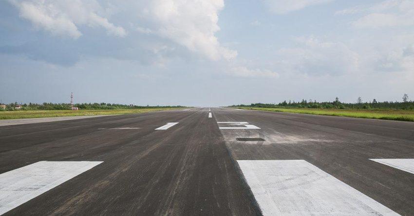 Возле взлетно-посадочной полосы аэропорта незаконно построили ферму