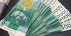 Займы кыргызстанцев до 100 тысяч сомов будут выплачены не полностью
