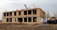 Строящуюся 27 лет школу в Джалал-Абадской области обещают сдать в 2017 году