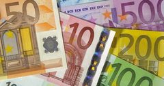 В 2017 году скупка евровалюты казахстанцами выросла на 70%