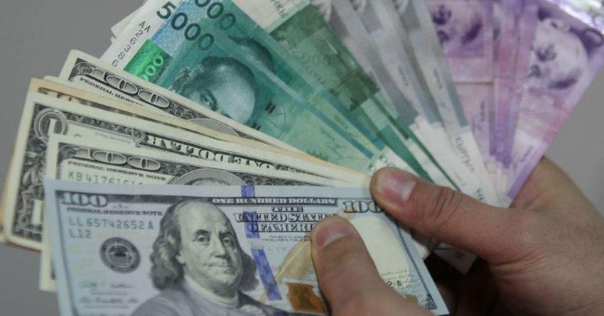 С начала года доллар к сому вырос почти на 12%