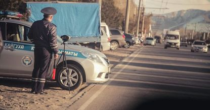 Кыргызстанда жол кыймылынын эрежелерин бузуу боюнча айып пулдун көлөмү азайтылат