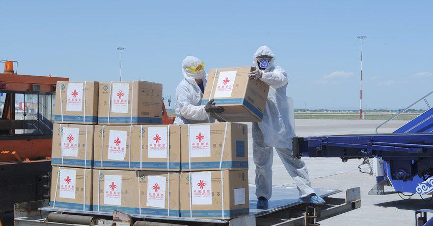 В Бишкек из Китая доставили 78 кислородных концентраторов