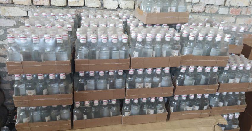 В Джалал-Абаде из незаконного оборота изъяли алкоголь на сумму 1.8 млн сомов