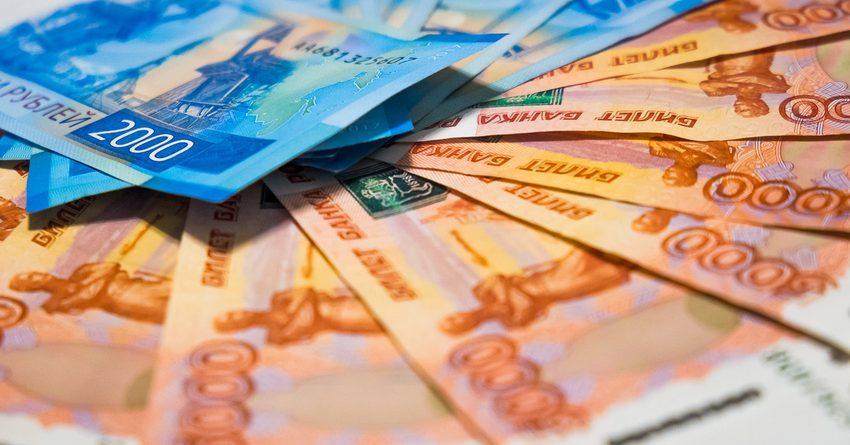 Россияне за полгода взяли кредитов на 4.23 трлн рублей