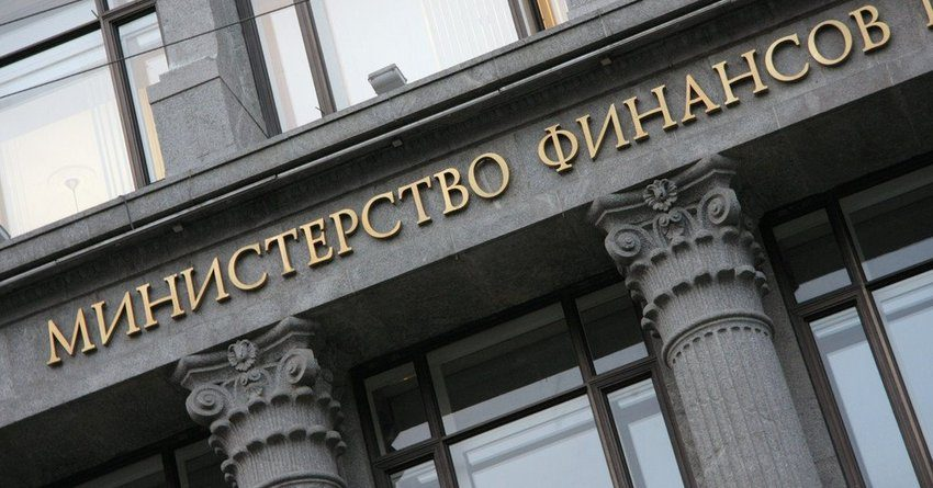 Минфин РФ экономит на служебных авто с помощью Uber и «Яндекс.Такси»