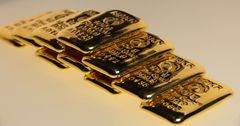 Депутаты отказались отменять налоги на импортируемые золотые слитки