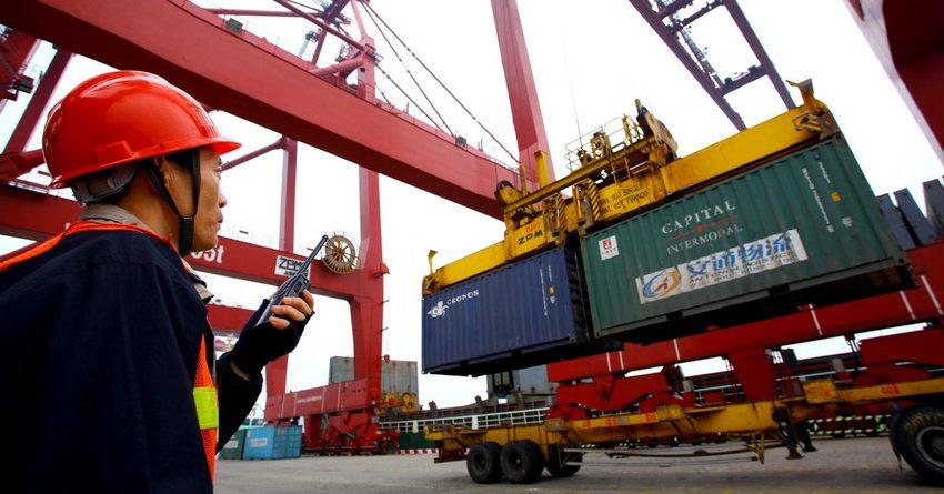В прошлом месяце экспорт Китая сократился больше прогноза аналитиков – на 7.3%