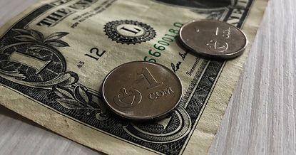 Сом бардык негизги валюталарга, эң башкысы рублге карата бекемделди