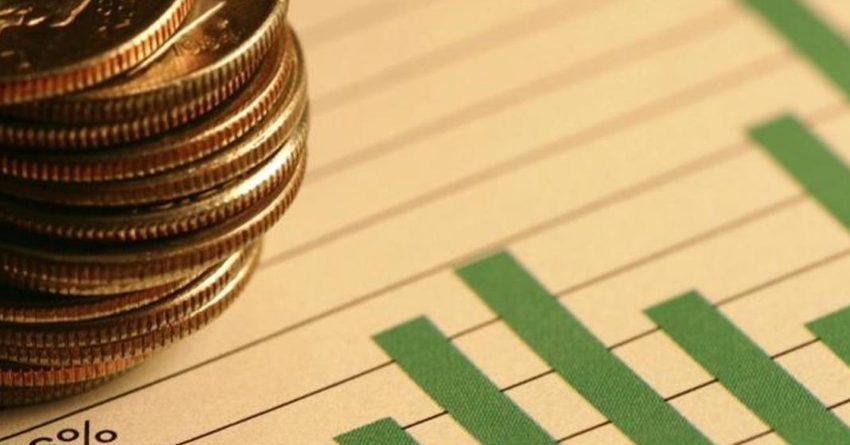 Больше половины домохозяйств заявили о снижении доходов