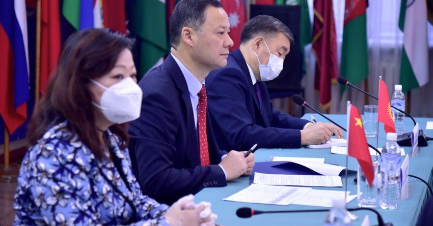 Кабмин озаботился проблемами ведения бизнеса китайских компаний в КР