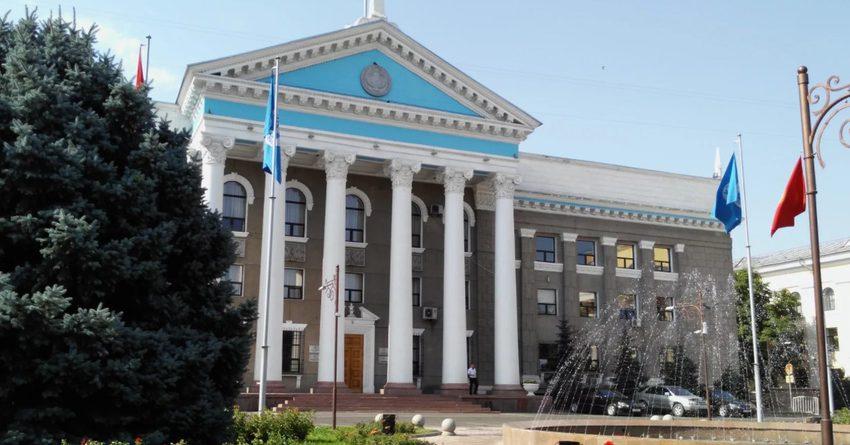 Мэр Бишкека решил отказаться от служебной Toyota Prado
