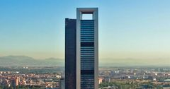 Владелец Inditex купил небоскреб в Мадриде за $551 млн